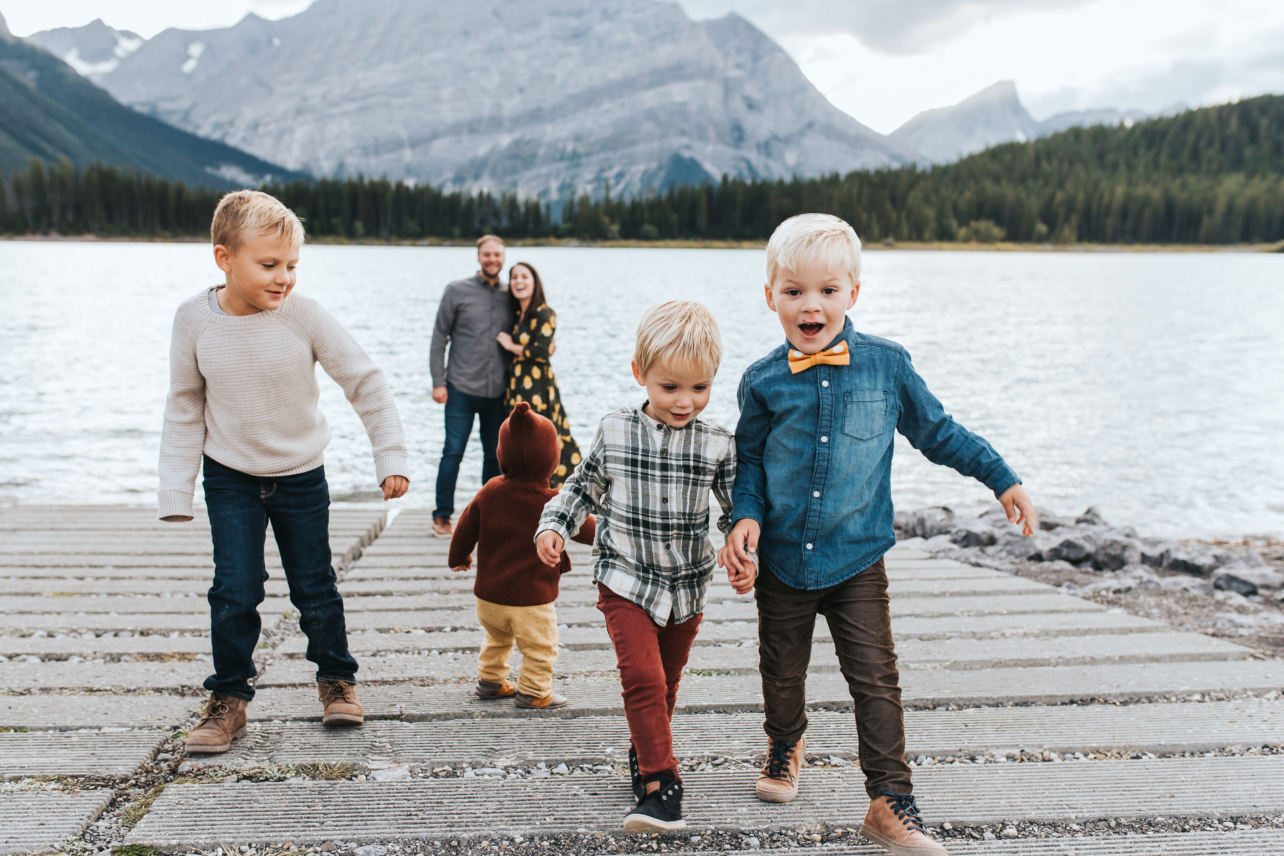 Fall Family Session at Kananaskis Lakes, Alberta